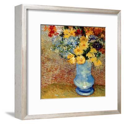 Vase Avec Bouquets De Fleurs