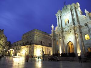 Duomo Square at Dusk, Ortygia, Siracusa, Sicily, Italy, Europe by Vincenzo Lombardo