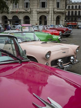 https://imgc.artprintimages.com/img/print/vintage-american-cars-havana-cuba-west-indies-caribbean-central-america_u-l-q12qnwa0.jpg?p=0
