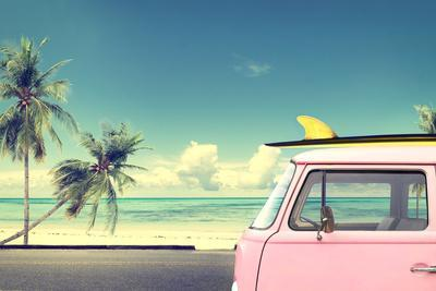 https://imgc.artprintimages.com/img/print/vintage-car-in-the-beach-with-a-surfboard-on-the-roof_u-l-q19yrn50.jpg?p=0