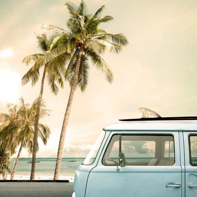 https://imgc.artprintimages.com/img/print/vintage-car-parked-on-the-tropical-beach-seaside-with-a-surfboard-on-the-roof_u-l-q19yrsf0.jpg?p=0