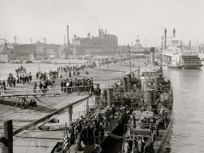 Visiting the Torpedo Boats, New Orleans, La.--Photo