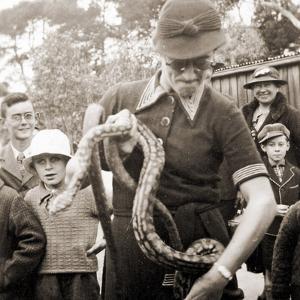 Visitors at Taronga Zoo, Sydney, Australia. 1932