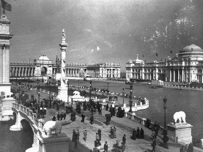 Visitors Strolling at Chicago Exposition--Photographic Print