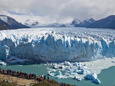 Visitors Viewing Glacier Perito Moreno from Catwalk-Douglas Steakley-Photographic Print