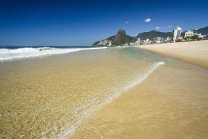 Sunny Day in Ipanema Beach, Rio De Janeiro, Brazil by Vitor Marigo