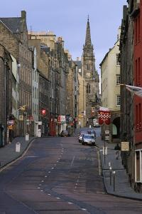 Royal Mile, Edinburgh by Vittoriano Rastelli