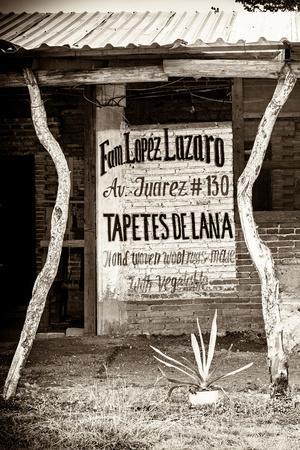 https://imgc.artprintimages.com/img/print/viva-mexico-b-w-collection-mexican-crafts-iv_u-l-q139czj0.jpg?p=0