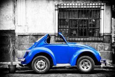 ?Viva Mexico! B&W Collection - Small Red Royal Blue Beetle Car-Philippe Hugonnard-Photographic Print