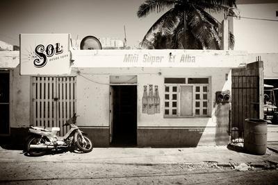 https://imgc.artprintimages.com/img/print/viva-mexico-b-w-collection-supermarket-isla-mujeres_u-l-q1g8v4l0.jpg?p=0