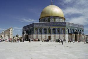 Dome of the Rock, Jerusalem, Israel by Vivienne Sharp