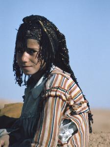Shepherdess, Calah (Nimrud), Iraq, 1977 by Vivienne Sharp