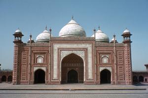 Taj Mahal Mosque, Agra, India by Vivienne Sharp