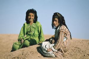 Two shepherdesses, Calah (Nimrud), Iraq, 1977 by Vivienne Sharp