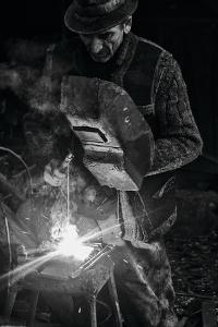 d-nul fierar (Mr. Smith) by Vlad Dumitrescu