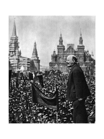 Vladimir Ilich Lenin, Russian Bolshevik Leader, Moscow, Russia, 1 May 1919--Giclee Print