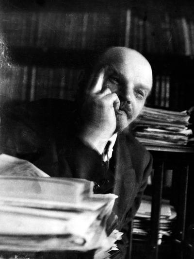 Vladimir Lenin (1870-1924)--Photographic Print