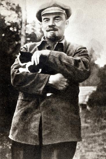 Vladimir Lenin--Photographic Print