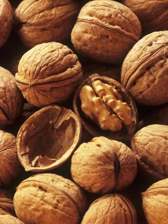 Walnuts by Vladimir Shulevsky