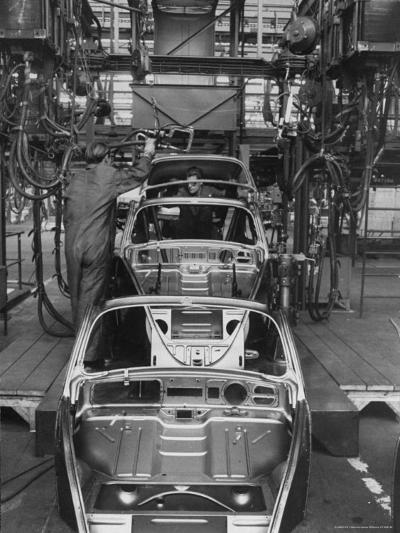 Volkswagen Plant Assembly Line-James Whitmore-Photographic Print
