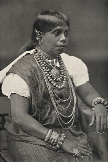 'Vornehme Singhalesin aus Kandy', 1926-Unknown-Photographic Print