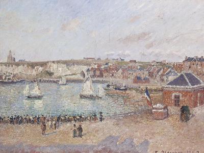 Vue de l'avant-port de Dieppe-Camille Pissarro-Giclee Print