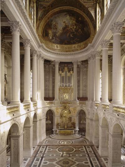vue intérieure de la chapelle royale de Versailles en 1999--Giclee Print