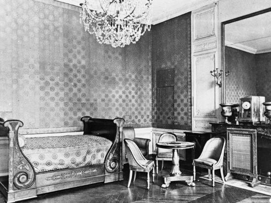Vue intérieure du Grand Trianon : Chambre de l'Empereur--Giclee Print