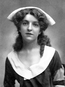 Molly Mcintyre (1886-195), Scottish Actress, 1905 by W&d Downey