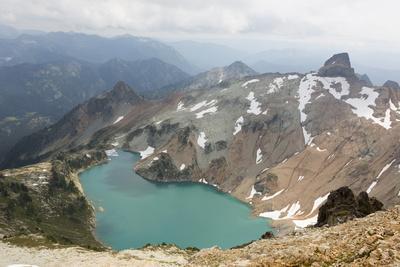 https://imgc.artprintimages.com/img/print/wa-alpine-lakes-wilderness-circle-lake-view-from-mount-daniel_u-l-pu3wje0.jpg?p=0