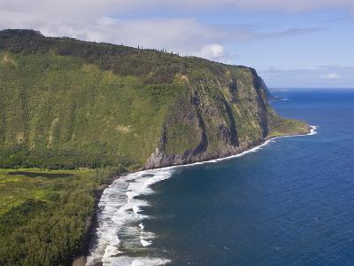 Waipio Valley and Large Coastal Cliffs on Hawaii-Mike Theiss-Photographic Print