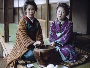 Geishas Kodamasan & Yobokichi by Waldemar Abegg