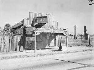 Coca-Cola shack in Alabama, 1935 by Walker Evans