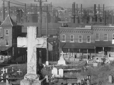 Graveyard and steel mill in Bethlehem, Pennsylvania, 1935