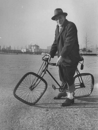 Eccentric Square-Wheeled Bicycle by Wallace Kirkland