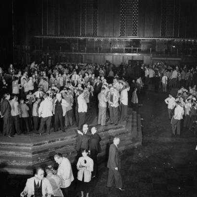 "Trading in the ""Grain Pit"" at the Chicago Board of Trade by Wallace Kirkland"
