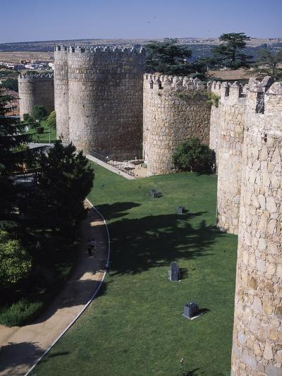Walls of Avila (Unesco World Heritage List, 1985), Castile and Leon, Spain, 11th-16th Century--Giclee Print