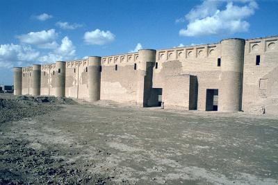 Walls of the Friday Mosque, Samarra, Iraq, 1977-Vivienne Sharp-Photographic Print