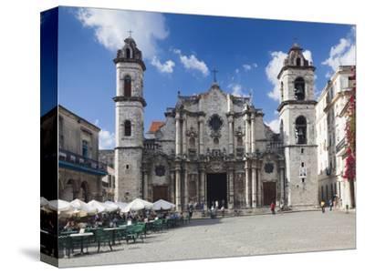 Cuba, Havana, Havana Vieja, Plaza De La Catedral, Catedral De San Cristobal De La Habana Cathedral