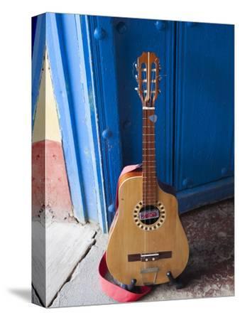 Cuba, Sancti Spiritus Province, Trinidad, Cuban Guitar