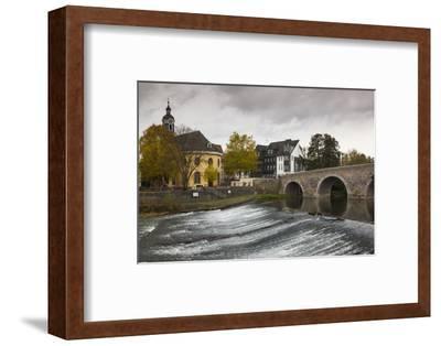 Germany, Hesse, Wetzlar, Alte Lahnbrucke Bridge, Lahn River