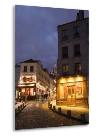 Rue Norvins and Basilique du Sacre Coeur, Place du Tertre, Montmartre, Paris, France