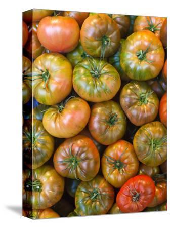 Spain, Madrid, Plaza De San Miguel, Mercado De San Miguel, Artisan Food Marketplace, Heirloom Tomat