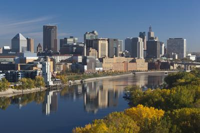 St Paul, Skyline from Mississippi River, Minneapolis, Minnesota, USA