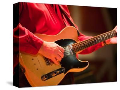 Swinging Guitar, Grand Ole Opry at Ryman Auditorium, Nashville, Tennessee, USA