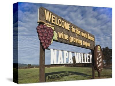 Welcome to Napa Valley Sign, Napa, Napa Valley Wine Country, Northern California, Usa