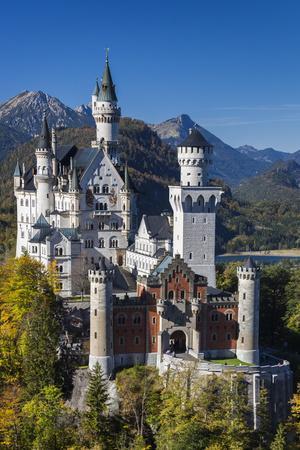 Germany, Bavaria, Hohenschwangau, Schloss Neuschwanstein castle, elevated view, fall
