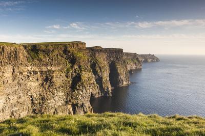 Ireland, County Clare, Cliffs of Moher, 200 meter high cliffs, dusk