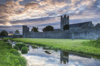 Ireland, County Tipperary, Fethard, town walls, dusk