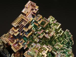 Crystalline Structure of the Element Bismuth by Walter Geiersperger